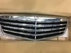 MERCEDES E CLASS 2013 W212 GINUINE FRONT BUMPER GRILLE