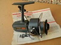 VINTAGE DAIWA FISHING REEL...LOOK !!