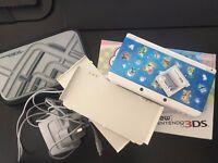 Nintendo New 3DS White - Mario Kart 7 + Omega Ruby (Luma) - Case & Charger