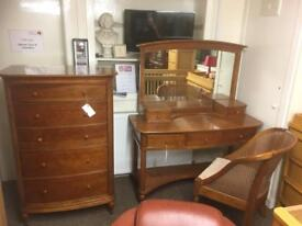 Willis & Gambier dressing table, mirror & chair * free furniture delivery *