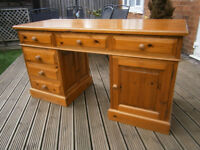 Farmhouse Solid Pine Dressing Table / Desk Dovetail Joints Shabby Chic Project ?