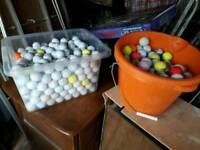 100s & 100s of assorted golf balls