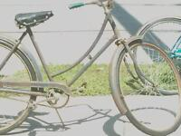 Very old womans Raleigh