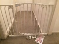 DreamBaby Hallway Security Gate, extra wide, 97-108cm, NEW