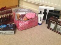 Men's and women's toiletries inc sets