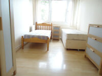 Share room for a gentleman available now in clean house in Putney
