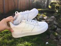 Barely worn Air forces 1