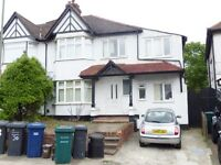 Glebe crescent, Hendon - 6 Bed/2 Bath House near to Middx University.