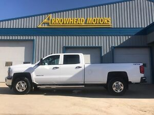 2015 Chev Silverado / Crew Cab / Long Box / 8 foot box