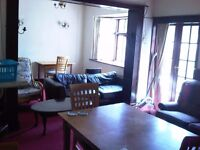 5 BED HOUSE SUITABLE FOR STUDENTS - £300 PER PERSON PCM