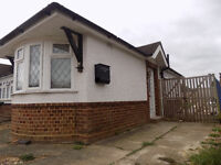 Refurbished 1 Bedroom Studio Bungalow with Parking - Icknield Area - Available Now - No DSS