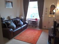 2 BEDROOM (1 DOUBLE, 1 SINGLE BOX ROOM) FULLY FURNISHED FLAT TO RENT - AVAILABLE FROM 30 AUGUST