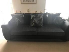 *THREE PIECE SUITE* 4 Seater sofa & 2 Armchairs!
