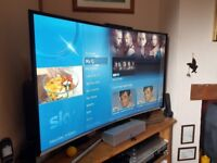 Mint condition Samsung 48 inch Full HD panoramic curved screen smart TV with remote and manual