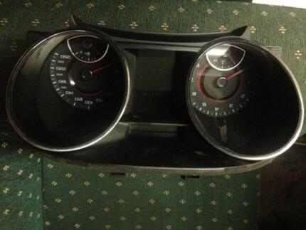 VF Commodore SV6 Cluster Coburg North Moreland Area Preview