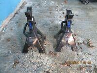 1no 3ton axel stands,