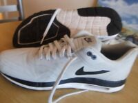 NIKE AIR MAX TRAINERS 10