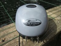 RESUN 6 WAY AIR PUMP 840lph FOR POND OR AQUARIUMS