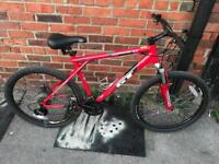 GT Avalanche 3.0 Mountain Bike. Fully Serviced, Great Condition, Free Lock, Lights, Delivery