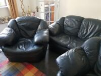 3piece navy leather suite 3seater and two 1 seaters