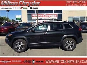 2016 Jeep Cherokee Trailhawk 4X4 8.4