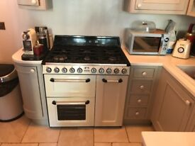 Shabby chic country style kitchen for sale. Good condition.