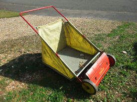 Push Leaf Sweeper/Collector made by Wolf Tools