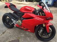 Stunning 2015 DUCATI 1299 ABS PANIGALE RED