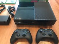 Xbox One 500GB, 2 Games, Power Cables, HDMI Cable, Two Controllers, Chat headset, original box