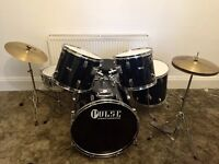 Great Full Pulse Percussion Drum Set - like new £200