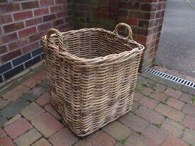 Beautiful quality wicker basket.