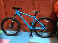 """Excellent Condition! 2016 Pinnacle IROKO one MTB Trail Bike with ROCKSHOX - 19"""" frame"""