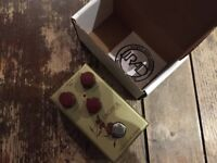 JRAD Archer Ikon Klon pedal in gold. Famously good clone of the Centaur boost overdrive pedal
