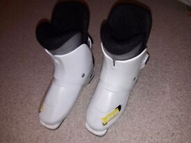Ski Boots Kids Childrens Decathlon Wedze Size 3 to 4 Mondo 21.5 to 22.5 sole length 260mm