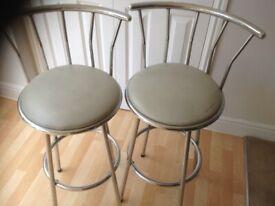 2 bar stools *Used*