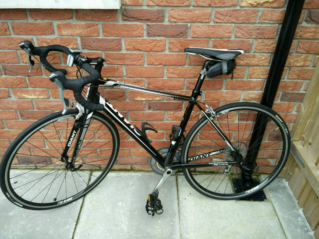 Giant defy 2in Craigavon, County ArmaghGumtree - Bought in 2014, selling because its hardly used. Low mileage, medium frame and I will throw in bike accessories as well