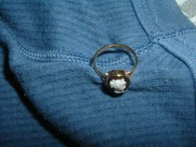 14 crt gold cameo ring