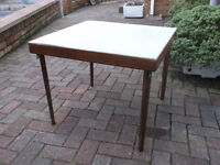 FOLDING GAMES / CARD TABLE