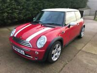 2006 06 Mini Cooper red with white roof and stripes