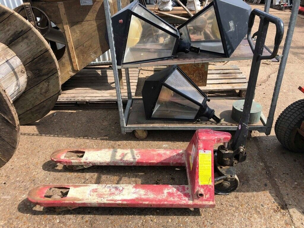 TUV - XL Lift Pallet Truck | in Clacton-on-Sea, Essex | Gumtree