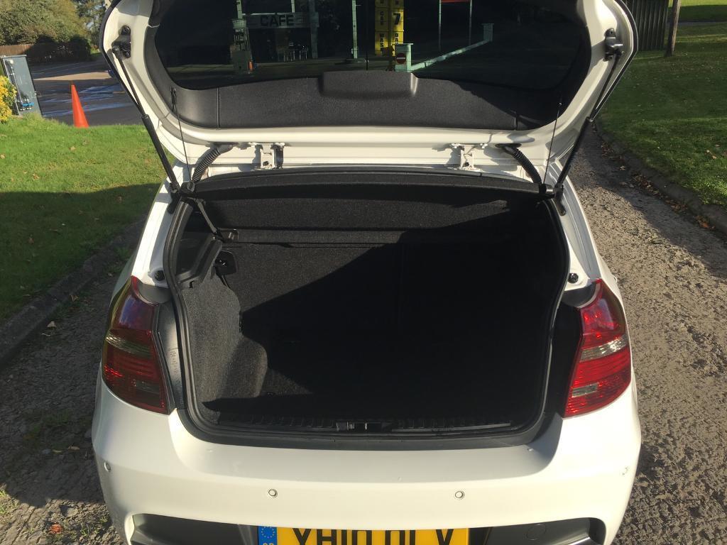 BMW 118i petrol 2010 m sport model. Lovely white and gloss black. 12months MOT.