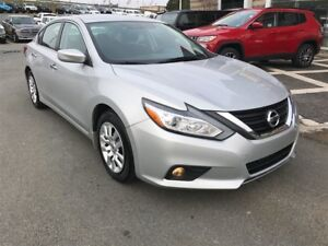 2016 Nissan Altima GET A CHRISTMAS GIFT WITH EVERY VEHICLE PURCH