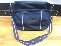 Allander Mans Travel Bag With Shoulder Strap. Navy, 3 Compartment With Zips