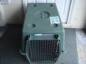 """Petmate"" Dog box/carrier (home/Car etc)"