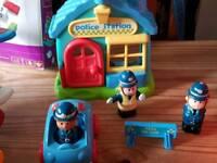 Happy land police station & car x3 policemen