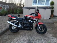 YAMAHA FZS FAZER 600S ONLY 17,000 MILES FROM BRAND NEW YEARS M.O.T SUPERB £1995