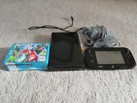 Nintendo WII U 32GB & 4 Games