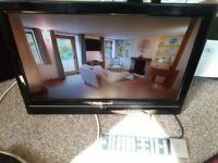 19 INCH TOSHIBA HDMI FREE VIEW TV AND REMOTE NO STAND BARGAIN £30