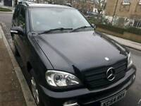 Black Ml 350 mercedez benz, 3.7 engine, 5 seater, 5 doors