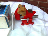 Vice, New, Boxed, Hilka, 3 1/2 inch, swivel base, changeable flat pipe jaws, Private sale, time on